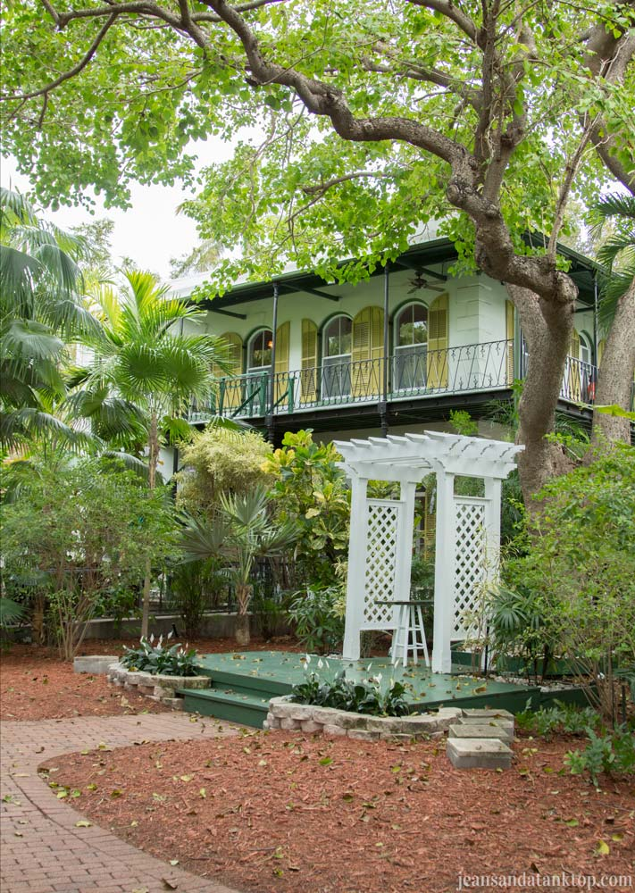 Key-West-Hemingway-House-northwest